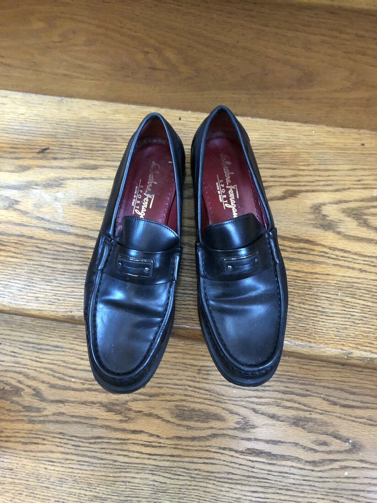 Lknu Leather Black Loafers By Salvatore Ferragamo 8.5 B Logo