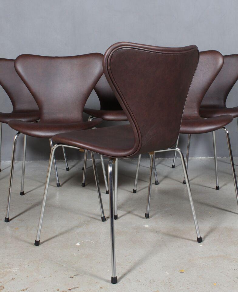 "Arne Jacobsens ""7"" syverstole, model 3107."