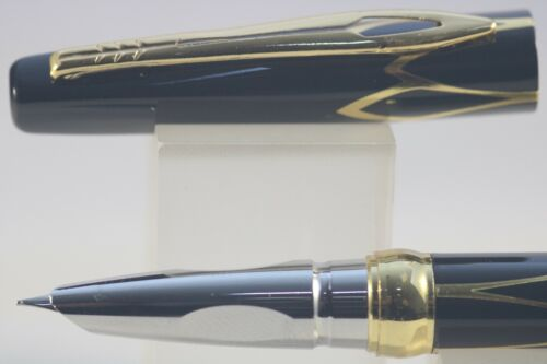 3019 Fine Fountain Pen Black Lacquer with Gold Inlayed Trim New Luxury Hero No