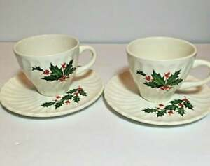 Scio-Pottery-HOLLY-Christmas-Cups-amp-Saucers-Mugs-Japan-VTG-Twisted-Fluted-Swirl