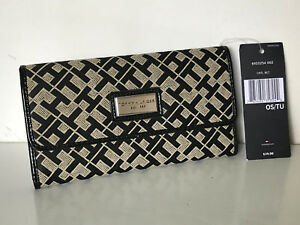 NEW-TOMMY-HILFIGER-BLACK-CONTINENTAL-CHECKBOOK-CLUTCH-PURSE-WALLET-39-SALE