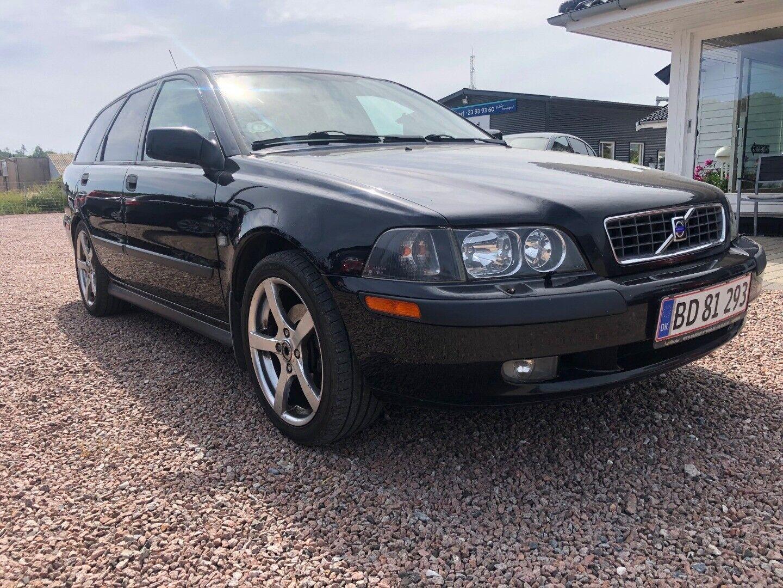 Volvo V40 1,8  5d