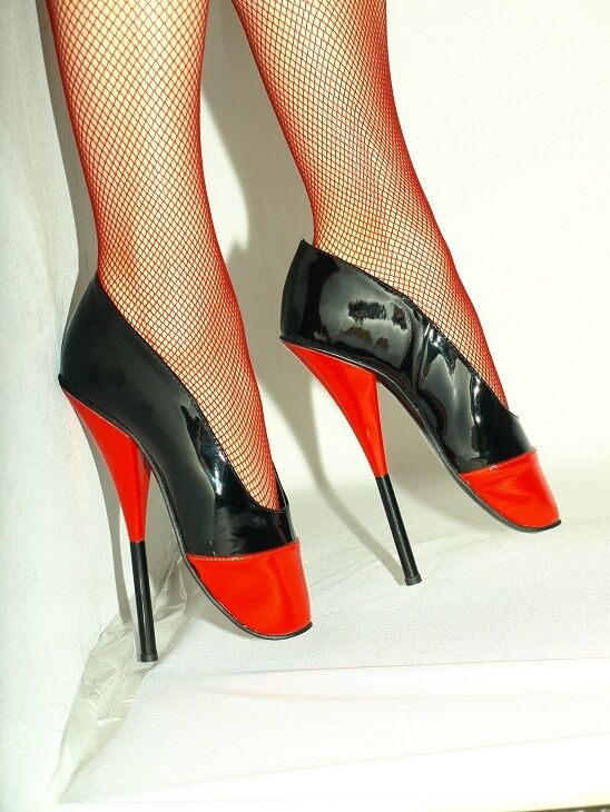 BLACK-RED PATENT LEATHER BALLET PUMPS SIZE 10-16 HEELS-8,1 - PRODUCER- POLAND