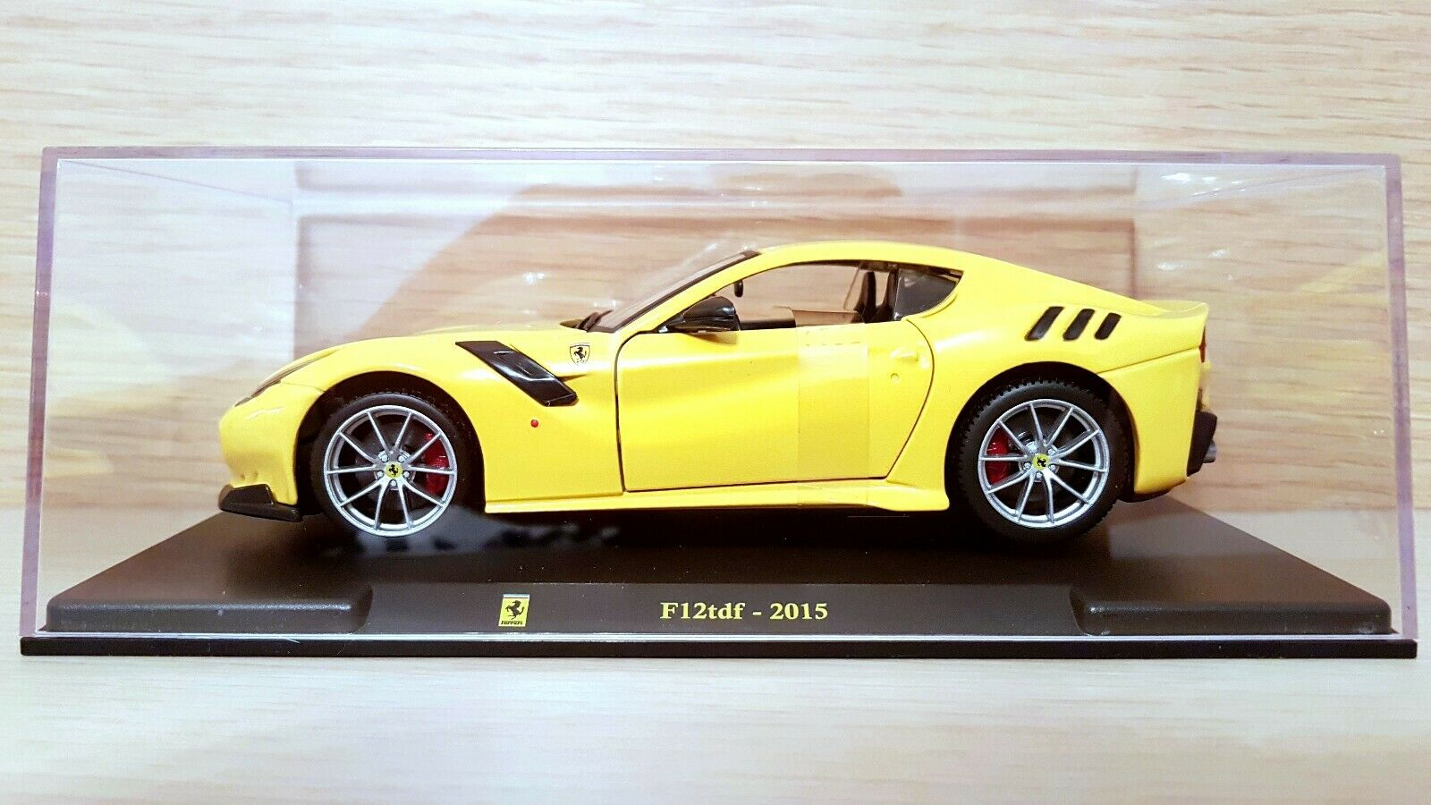 Ferrari F12tdf (2015) scala 1 24 Le Grandi Ferrari