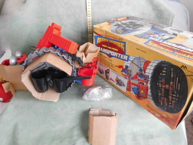 ACTION HEROES TROOP AND PRISON TRANSPORTER RARE VINTAGE TOYS FONDO DI MAGAZZINO