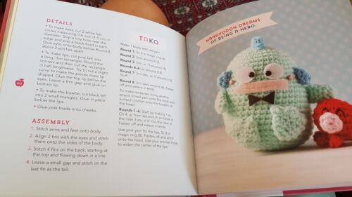 Hello Kitty Crochet   9781594747083, 9781594747090   VitalSource   281x500