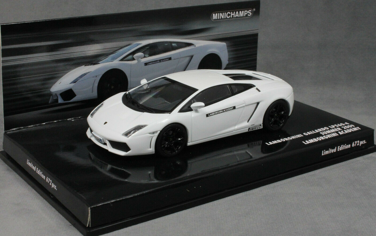 Minichamps Lamborghini Lamborghini Lamborghini Gallardo LP560-4 Lamborghini Academy in White 436103801 b2f086