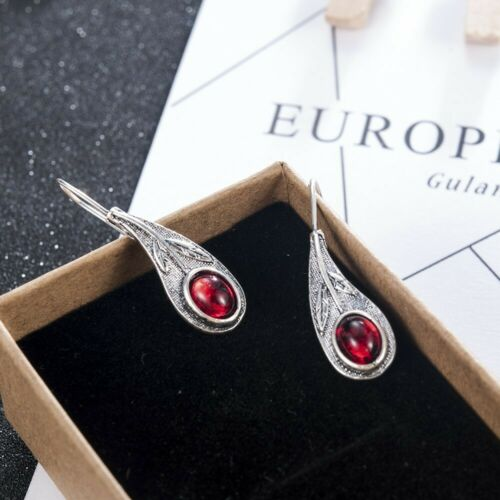 Schöne Ohrringe mit rotem Stein Tibetsilberner Blatt