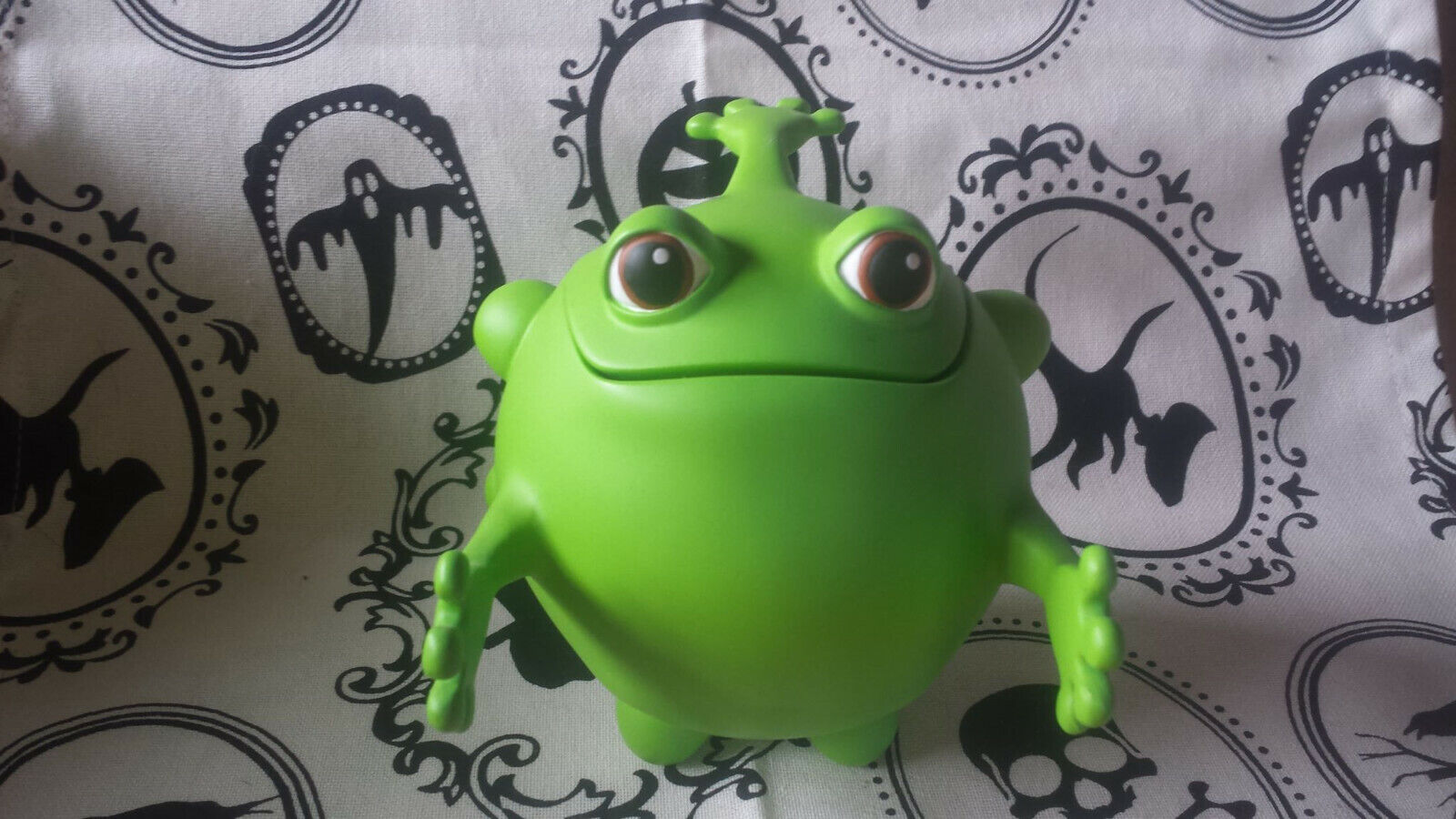 2007 CompatiBalls Froggyball 5  Poly-Resin Figure by Shultzo - Limited to 250