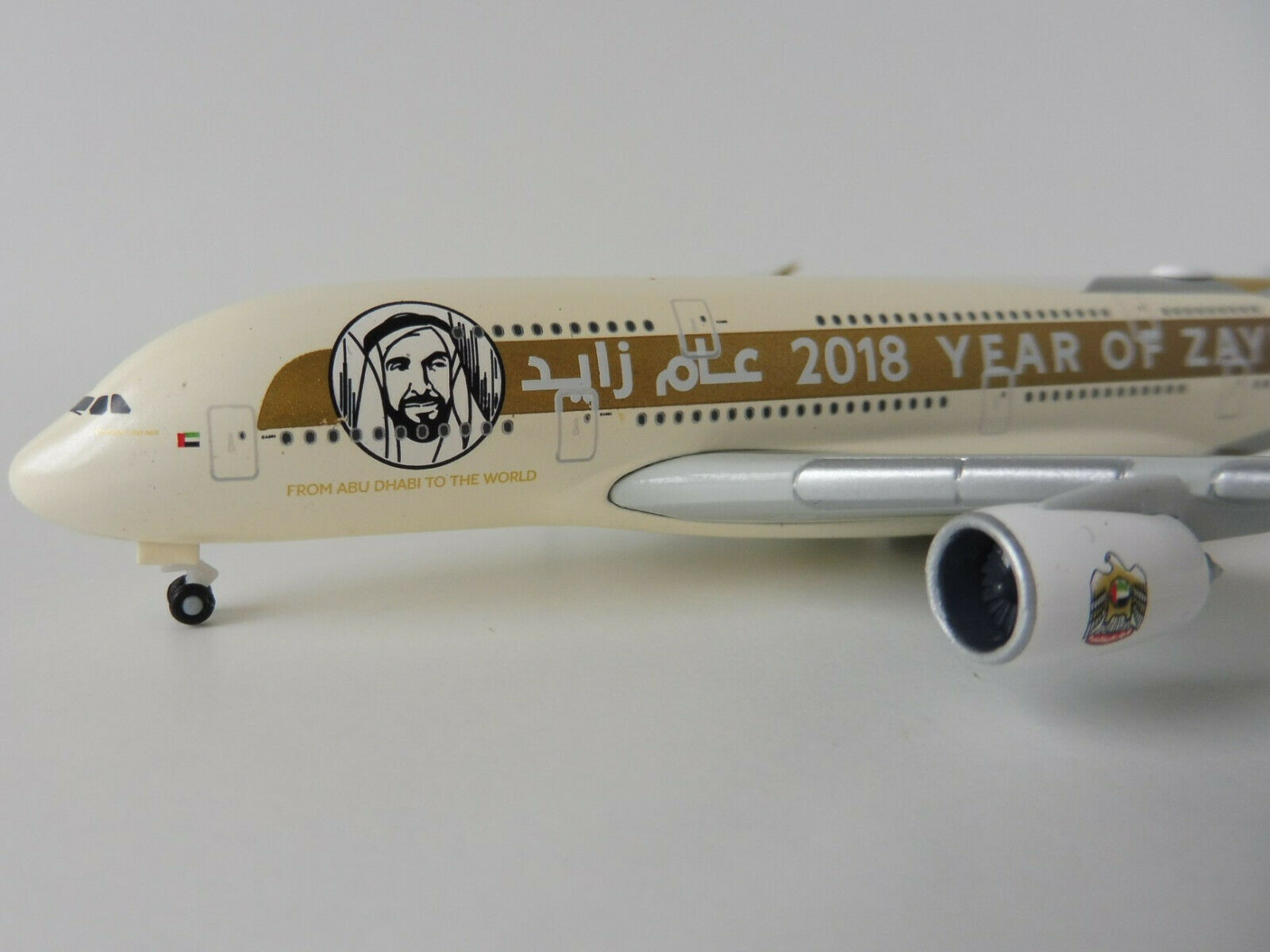 Etihad Airways Year of Zayed Airbus a380-800 1 500 Herpa 531948 A 380 a380