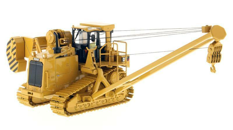 1 50 Diecast masters 85272 Caterpillar Cat 587T Pipelayer