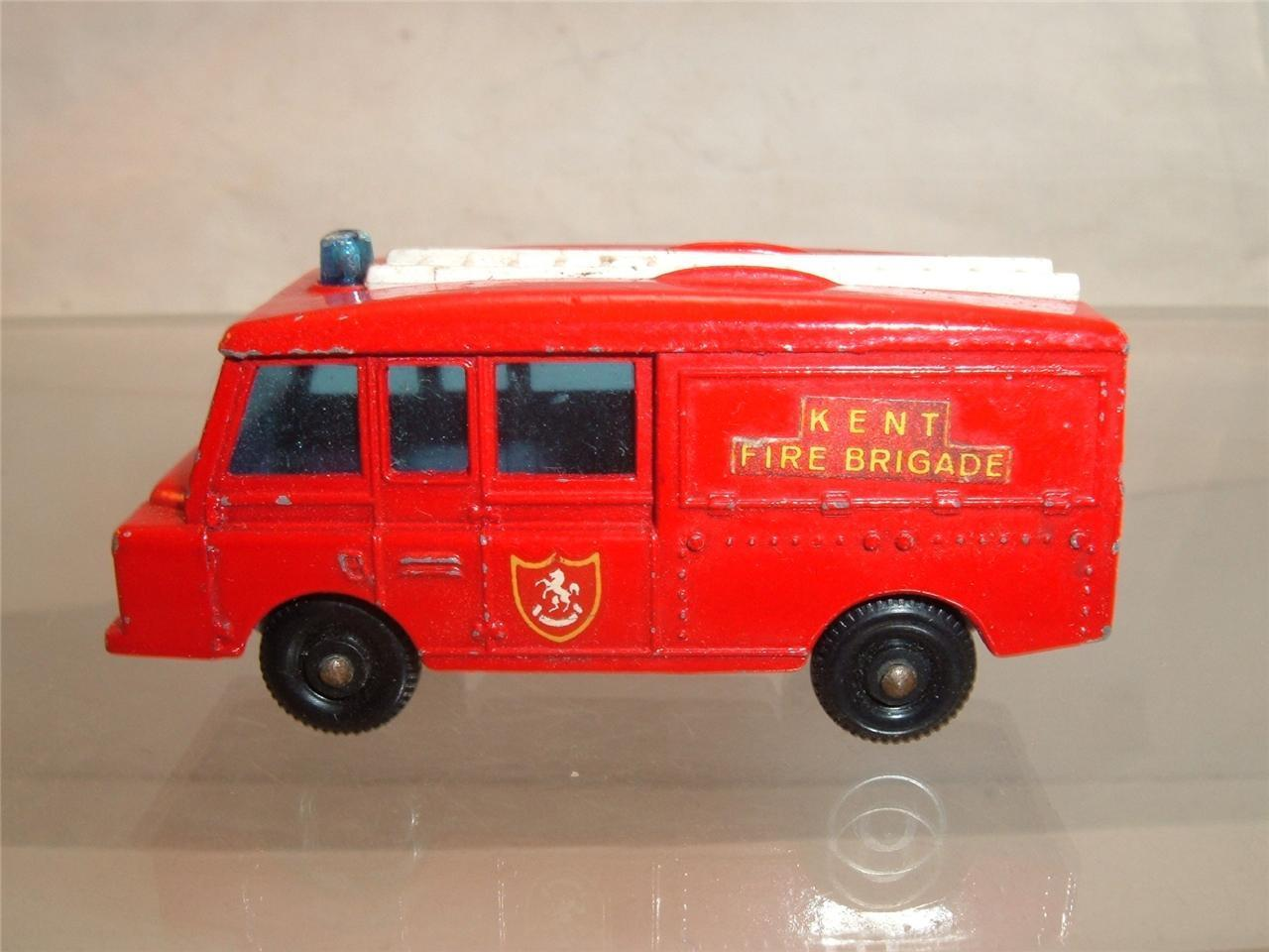 LESNEY MATCHBOX NO 57 LAND ROVER ROVER ROVER FIRE ENGINE ORIGINAL USED SEE THE PHOTOGRAPHS 694422