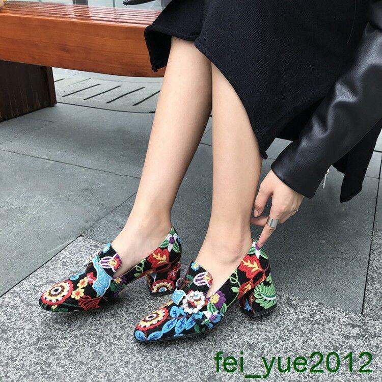 donna Round Toe Block Heel Pearl Floral Embroidery Slip on Multi Coloree Pump scarpe