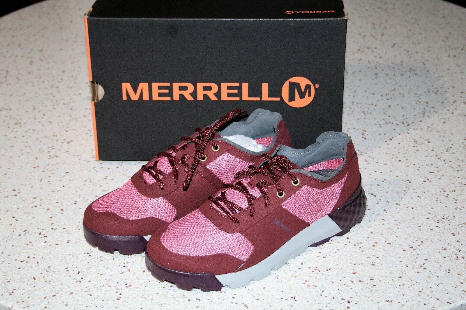 NWB Merrell SOLO AC+ Classic Air Cushioned Comfort Women's Sneakers red Moyen