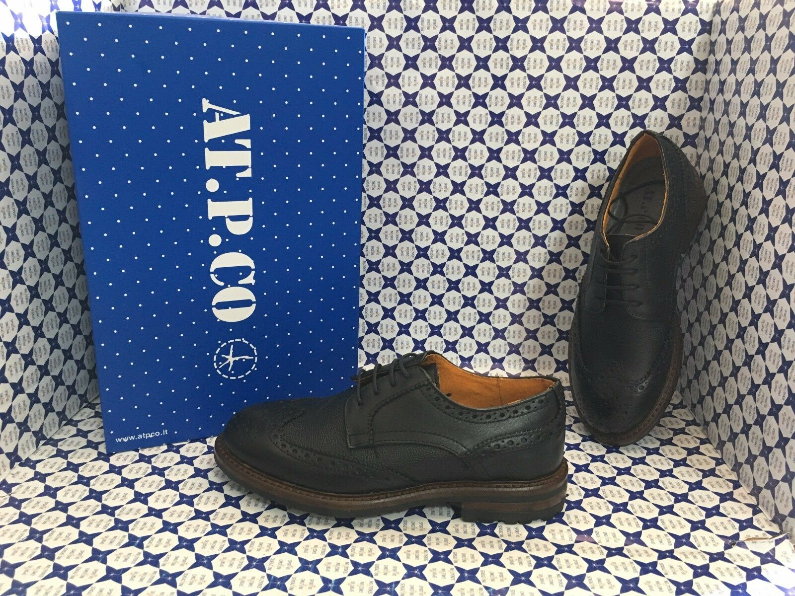 zapatos AT P CO hombres - Derby Stringata Punta Coda di Rondine - negro - S18A02