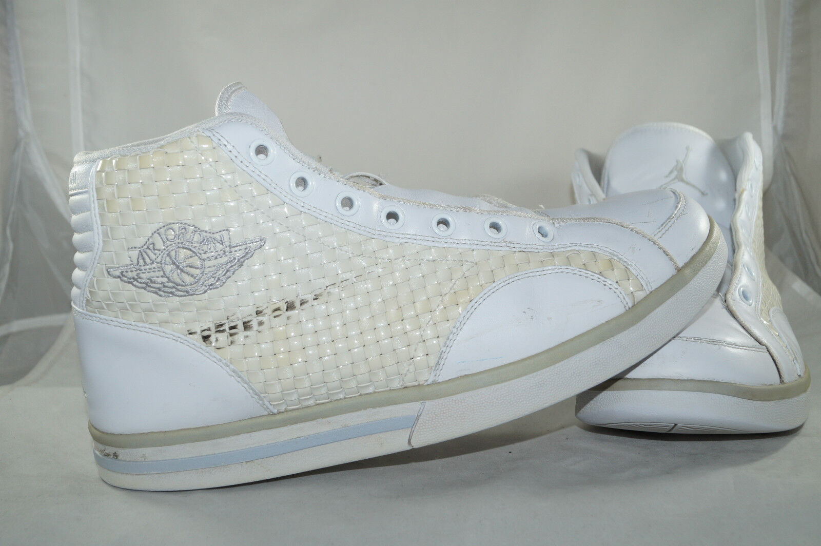 Nike Air Jordan PHLY Legend Premier Gr  44,5 Weiss Basketball  High Tops    | Kostengünstiger