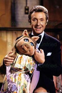 Peter-Alexander-Show-For-Guest-Muppet-Miss-Piggy-7-7-8x11-13-16in-Photo-Nr
