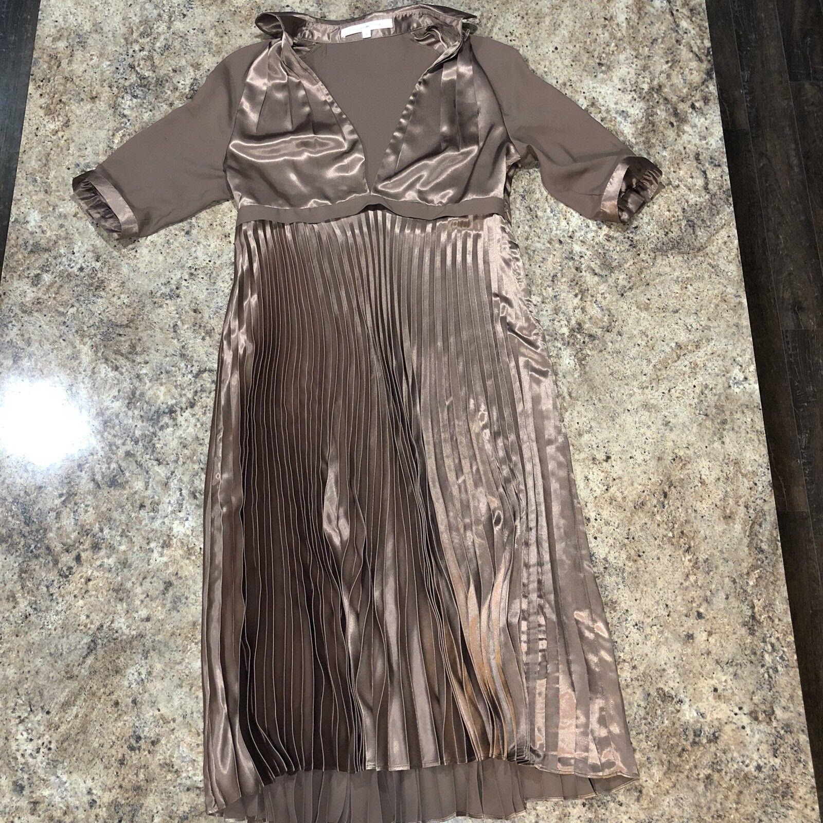 Diane Von Furstenberg Metallic Bronze Pleated Pleated Pleated Dress   Womens Size 4   100% Silk 758789