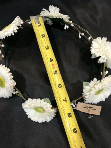 American Eagle Outfitters AEO White Daisy Crown Headband Floral Flower Festival