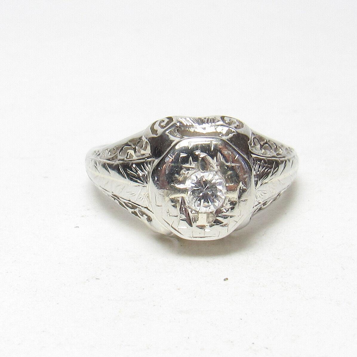 1940s Vintage 18K White gold 0.16 Ct Brilliant Cut Diamond Filigree Ring