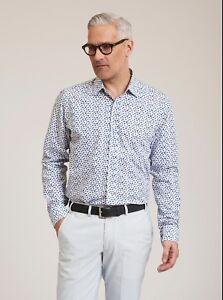 Robert-Graham-Snapshot-L-S-Printed-Sport-Shirt-White