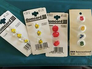 Vintage-NOS-Children-s-Buttons-On-Cards-Tweety-Bird-Apples-5678-NICE