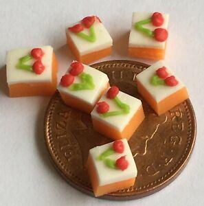 1:12 Maßstab 3 Erdbeere Tasse Kuchen auf Einem Keramikplatte Tumdee Puppenhaus