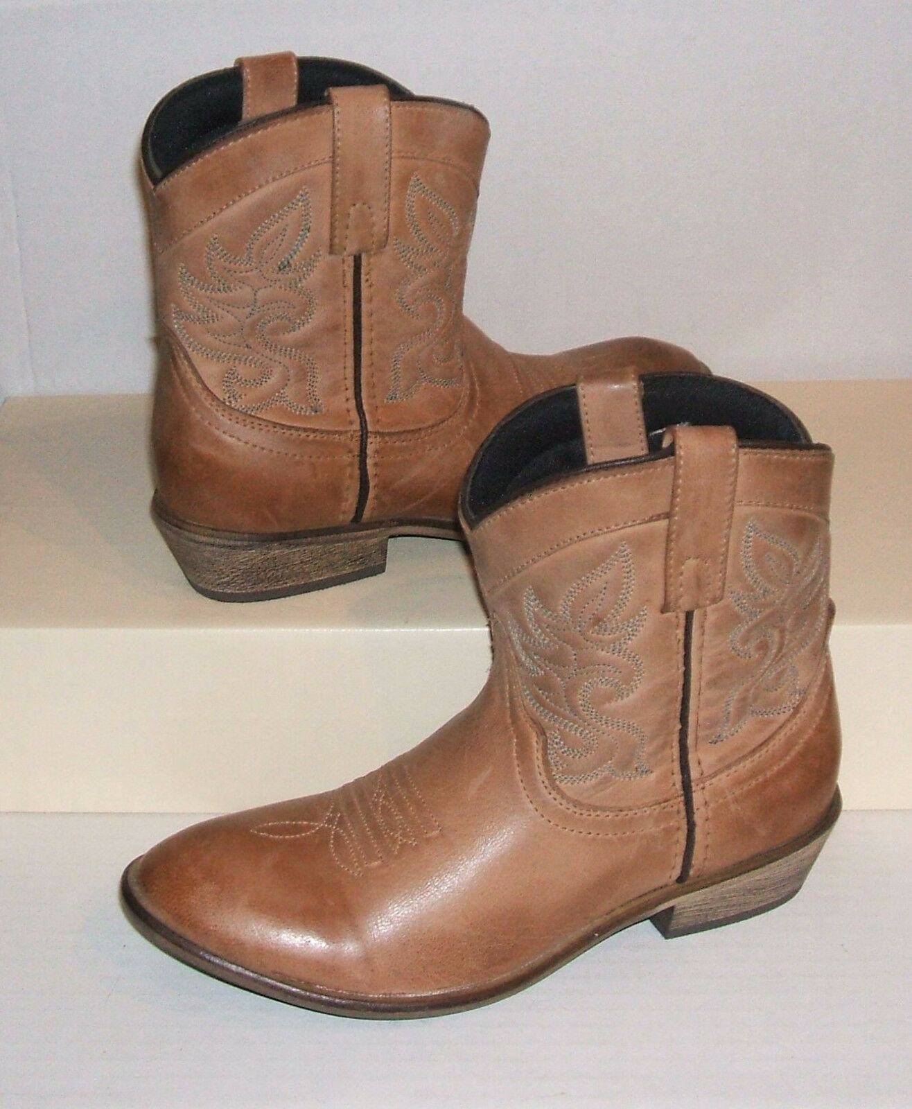 DINGO Women's Light Brown Leather Western Cowgirl Pull-On Ankle Boots 7.5 M NEW