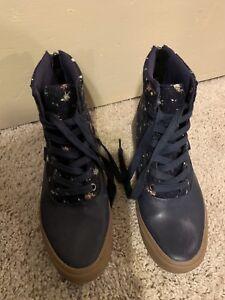 82638472ae11f4 Vans Women s Sz 7 Camden Hi Zipper High Top Sneaker