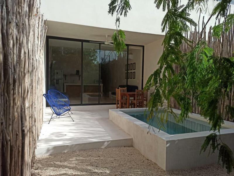 Nuevo Depa de 1 rec con piscina y patio privado en Tulum
