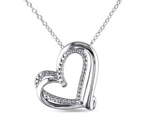 Heart-Pendant-Necklace-in-Sterling-Silver-with-Chain