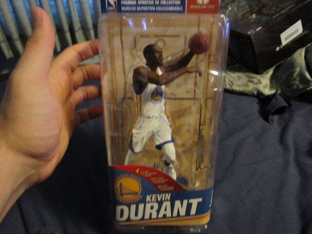 McFarlane Toys - Series 30 - Kevin Durant - White Uniform with Yellow bluee Trim