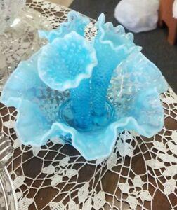 Vintage-Fenton-Blue-Opalescent-Hobnail-Miniature-Epergne-Bowl-3-Lily-Horn-Vase