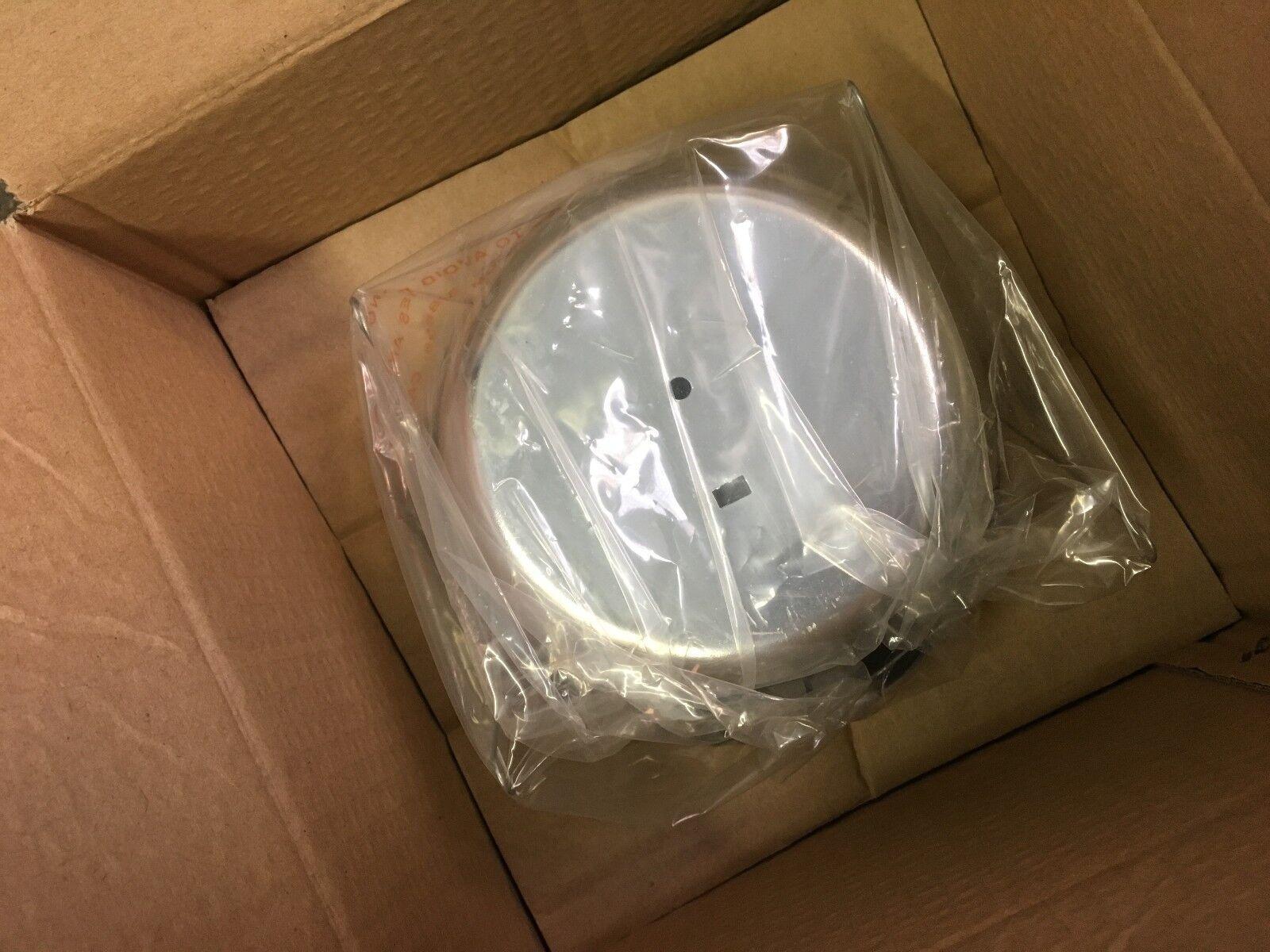 DMF D46W 4/'/' CFL Shower Lensed Recessed Lighting Trim White Ring Frosted Lens
