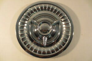 1958 OLDSMOBILE DYNAMIC EIGHTY EIGHT NINTY EIGHT ROCKET HOLIDAY FIESTA 1 HUBCAP