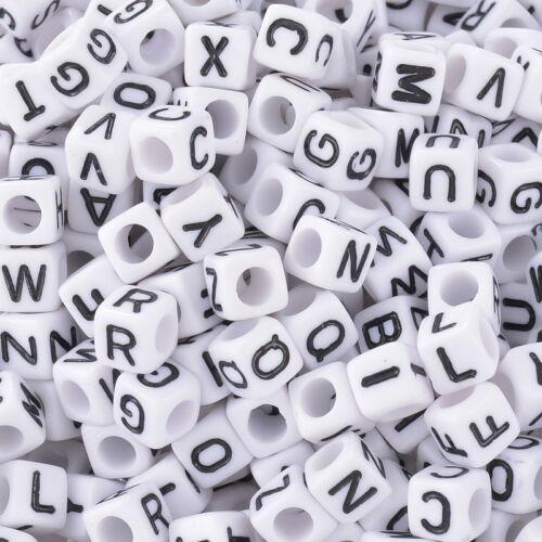 500 Weiß Schwarz Buchstaben Acryl Würfel Perlen Spacer Beads 6x6mm LP