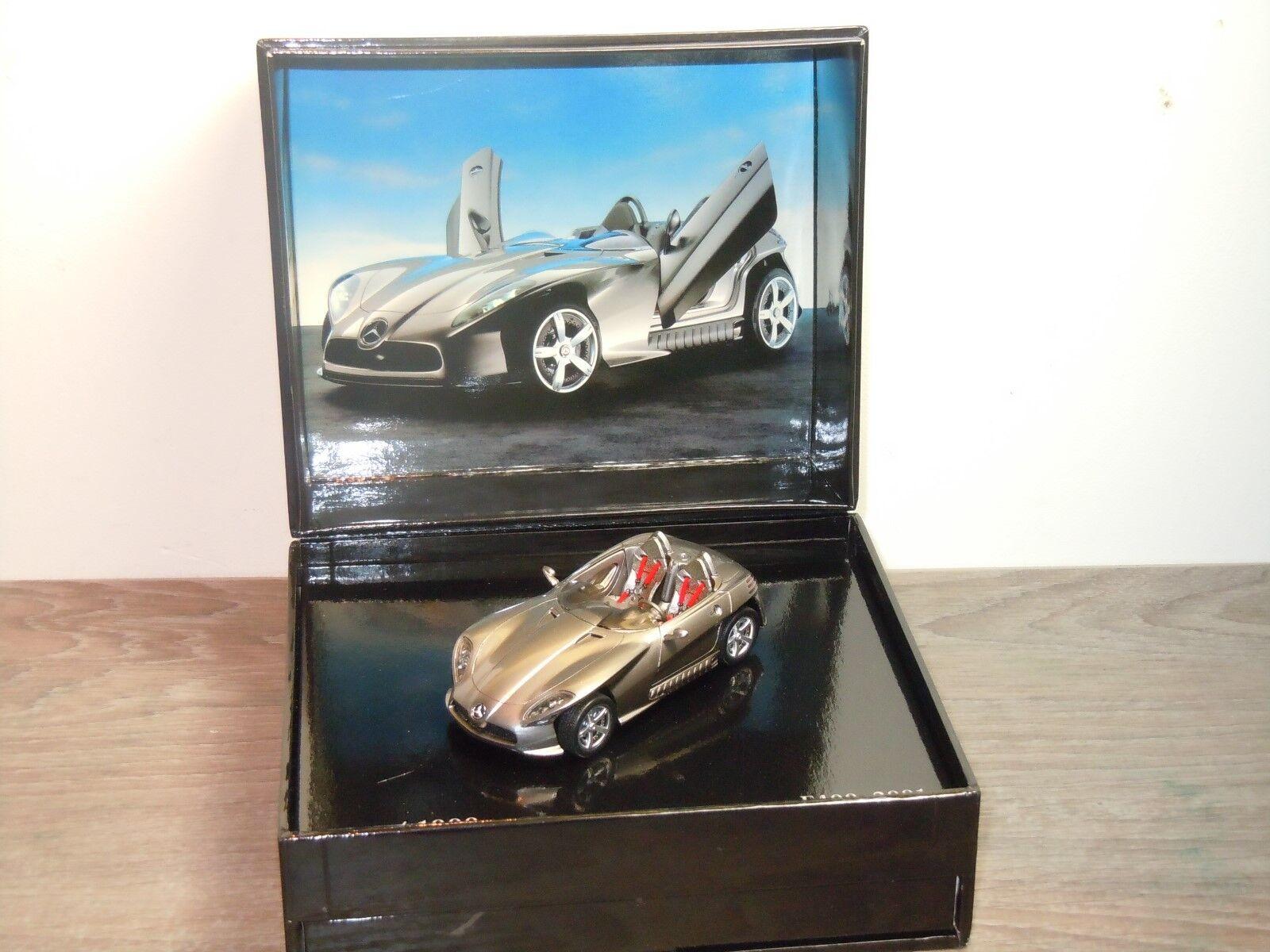 Mercedes F400 2001 - Spark 1 43 in Box 34905