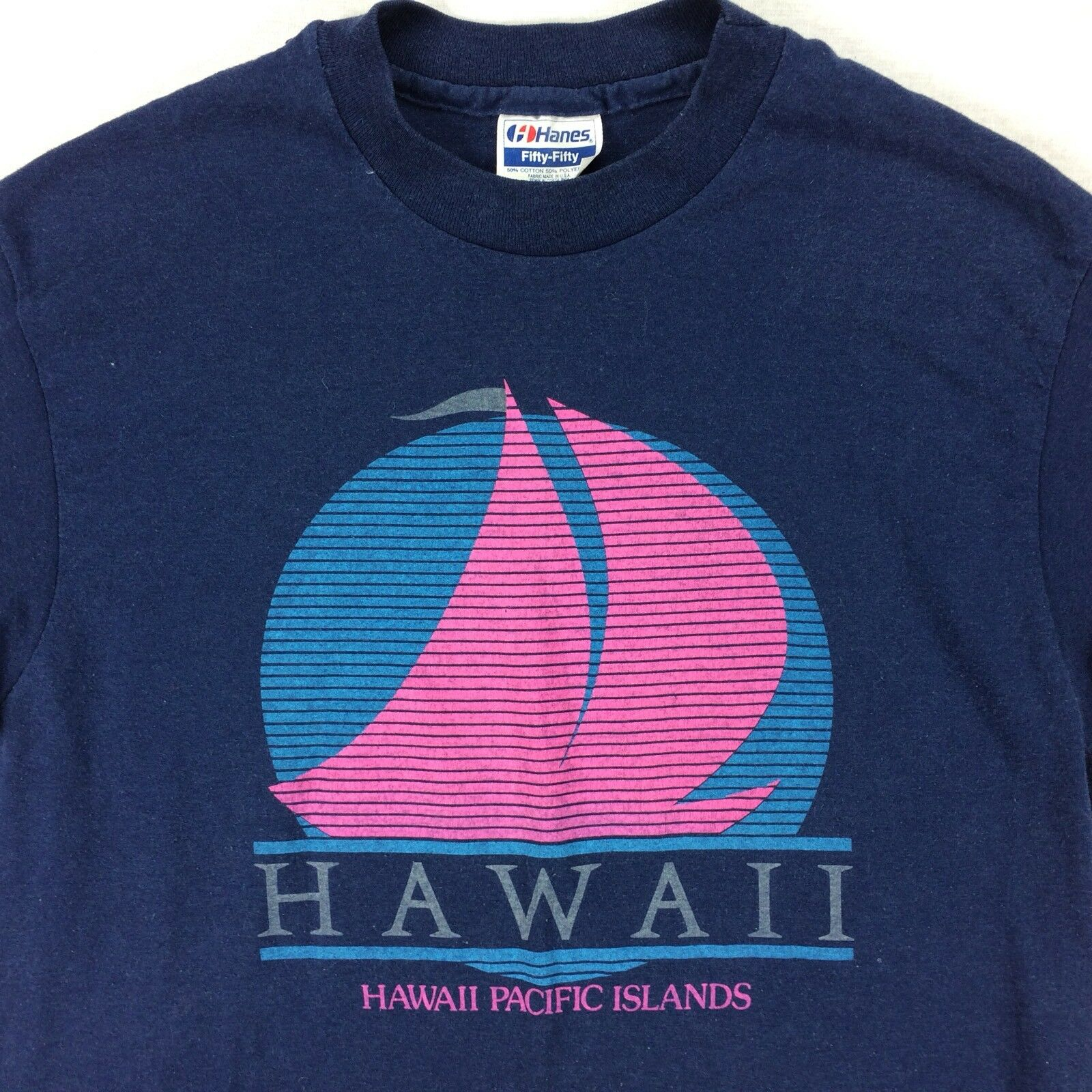 Vintage Hawaii Pacific Island Surfer T-Shirt Sz Medium M bluee Sailboat Vaporwave