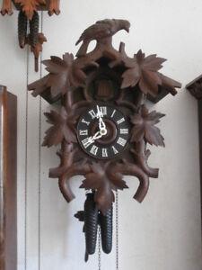 242c9754e27d Reloj de pared mecánico cuco cucu antiguo alemán péndulo y pesas año 1900  1910 - España