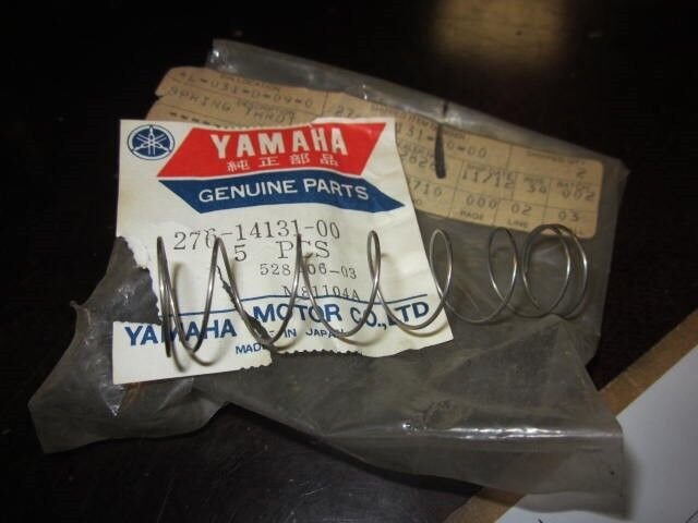 NOS Yamaha YZ50  Throttle Valve Spring 276-14131-00