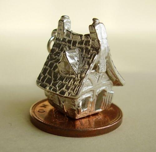 Hermosa Casa Embrujada apertura de plata del encanto del encantos Halloween