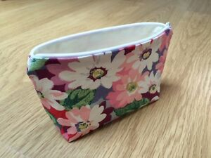 Handmade Make Up Cosmetic Case Bag  Cath Kidston Bright Painted Daisy Fabric - <span itemprop=availableAtOrFrom>Wilmslow, United Kingdom</span> - I hope you will be delighted with your purchase. If however, you should wish to return an item please notify me stating the reason why within 48 hours of receipt and return the goods in  - Wilmslow, United Kingdom
