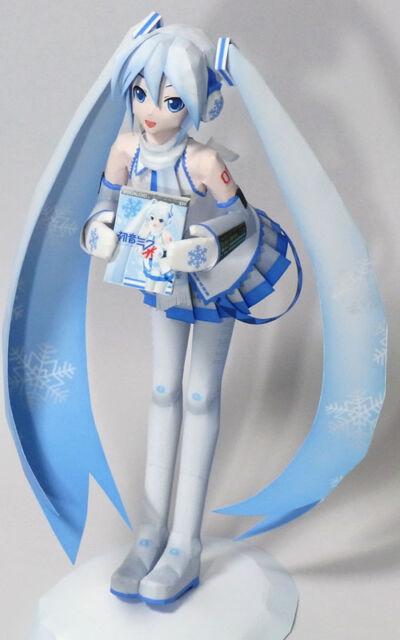 Snow Hatsune Miku VOCALOID CRYPTON Handcraft DIY FIgure PAPER MODEL 22cm Tall