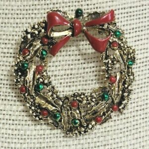 Vintage Enamel Brooch Christmas Wreath Pin Gerry's Holiday Gold Tone Red Green
