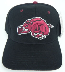 ARKANSAS-RAZORBACKS-BLACK-NCAA-VINTAGE-FITTED-SIZED-ZEPHYR-DH-CAP-HAT-NWT-HOGS