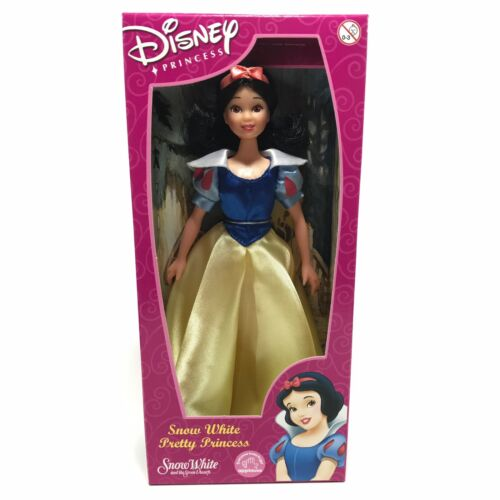 Disney PRINCESS Snow White Pretty Princess Doll