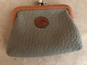 Vintage-Dooney-amp-Bourke-leather-kiss-lock-coin-purse-wallet-purse-accessory