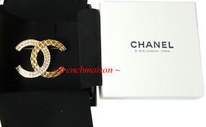 AUTHENTIC-CHANEL-CC-PIN-BROOCH-Gold-Crystal-2017-31-RUE-CAMBON-Paris-Box-New