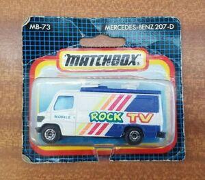 MATCHBOX-MERCEDES-BENZ-207-D-Van-034-Rock-TV-034-TV-news-MB-73-Giocattolo-Modellino-in-scala-1-73