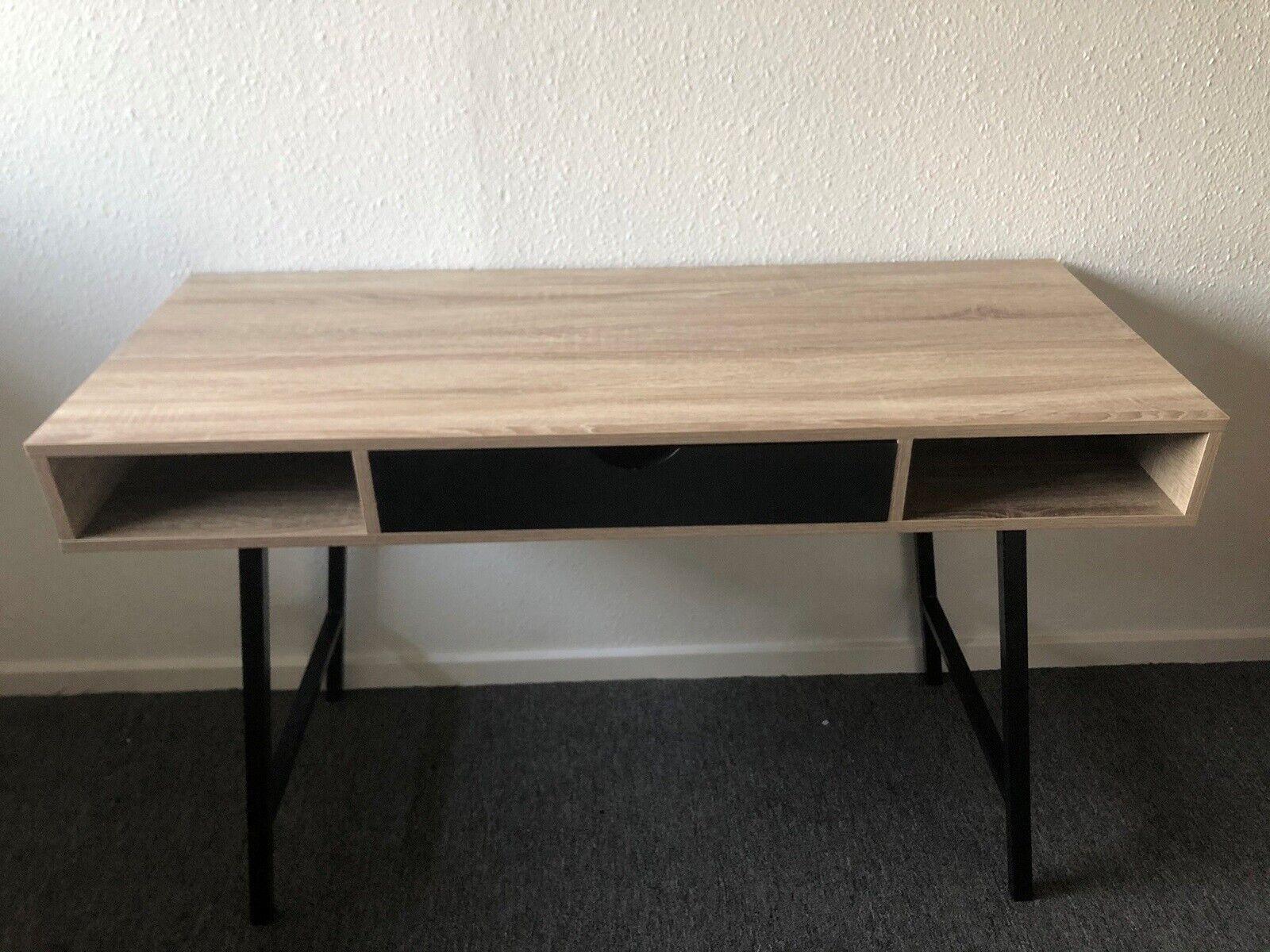 Skrivebord, Jysk, b: 120 d: 48 h: 76 – dba.dk – Køb og Salg